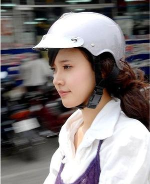 Phong cách riêng với nón bảo hiểm thời trang