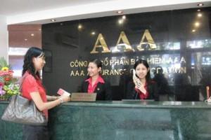 Khách hàng mua bảo hiểm trách nhiệm dân sự xe máy tại Công ty CP Bảo hiểm AAA