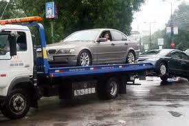 Cứu hộ xe khi mua bảo hiểm xe cơ giới